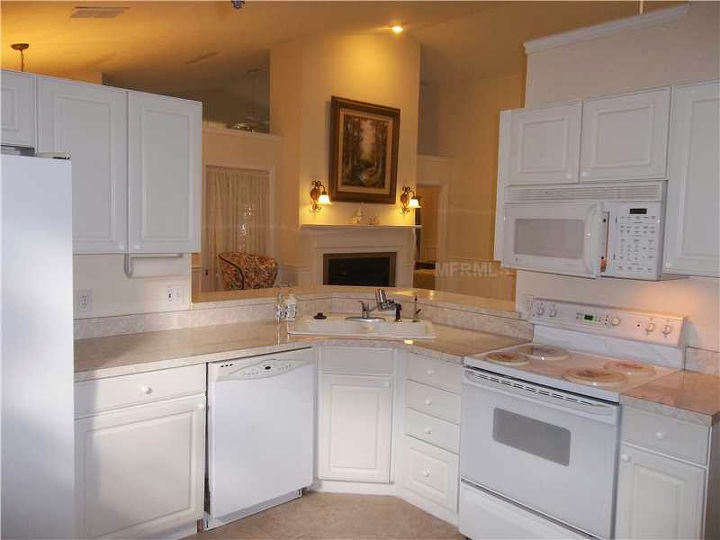 q cabinet and counter top color combination, countertops, home decor, kitchen cabinets, kitchen design, painting, My Kitchen
