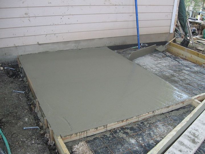Pouring cement in sections