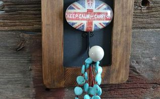 keep calm and carry on jewelry holder, chalkboard paint, crafts, DIY Jewelry Holder