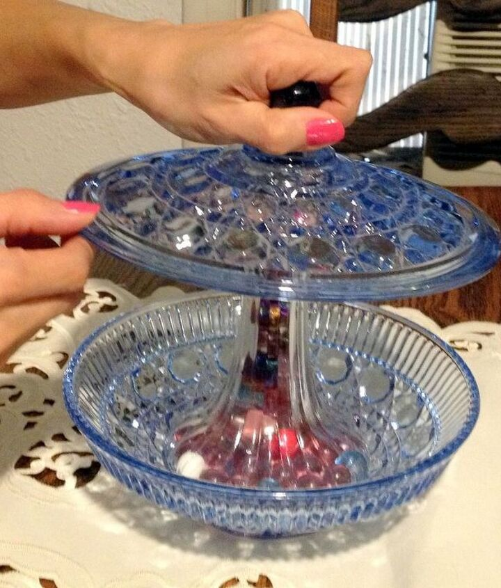 Make sure vase is flat on top and bottom and can adhere properly.l