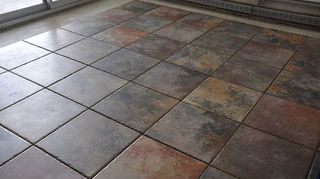 q diy laminate floor in kitchen, diy, flooring, Tile start