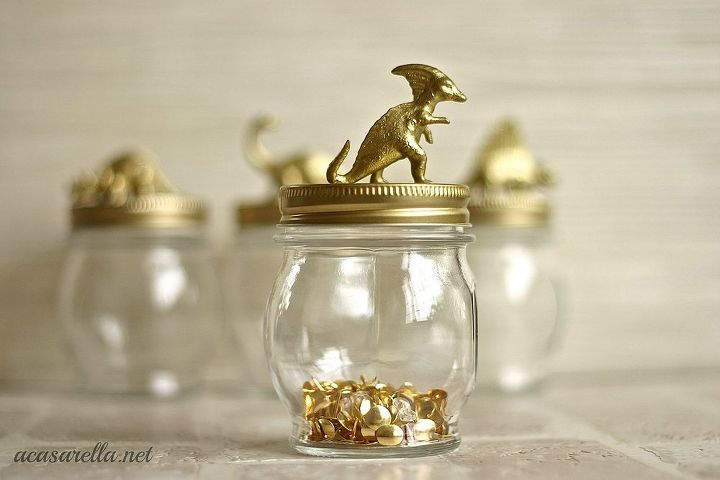 You can make them extra special with the addition of gold dinosaurs.