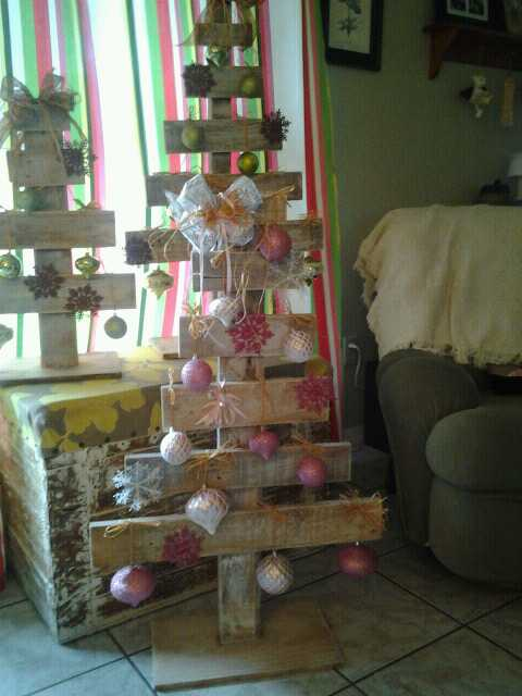 diy pallet trees, pallet projects, repurposing upcycling, seasonal holiday d cor, Wanted to used up things I had on hand for these and ta da