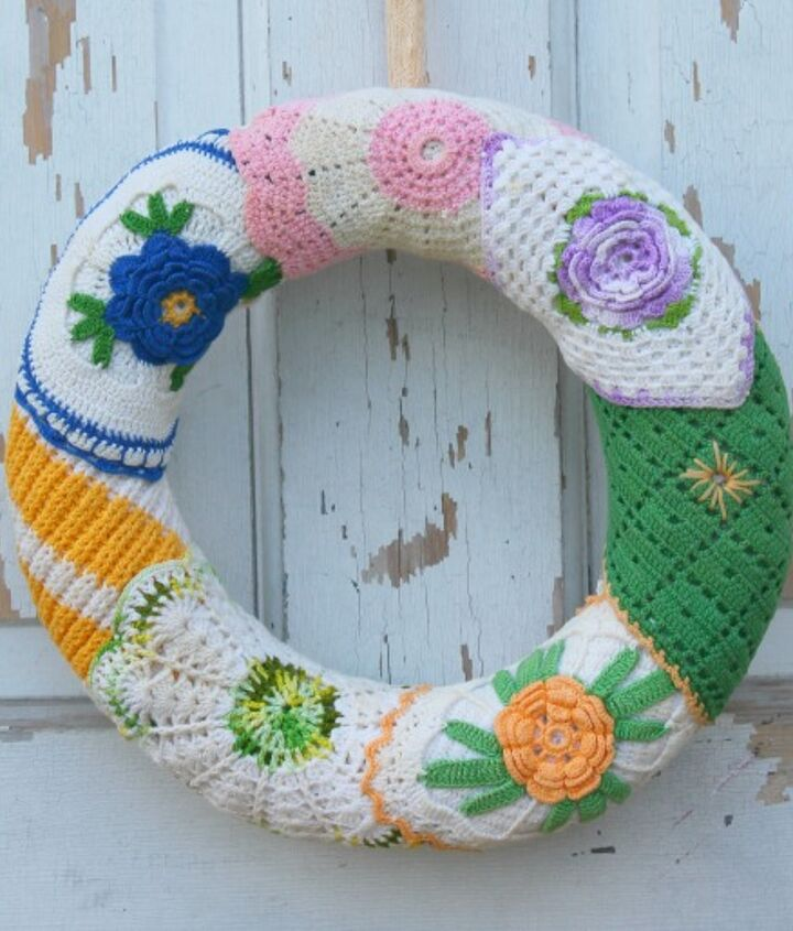 wreaths made from vintage crocheted potholders, crafts