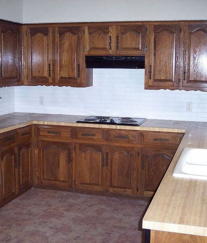 chalkboard countertops, chalkboard paint, countertops, diy, how to, kitchen design, Above is the kitchen as we bought it 5 years ago looking a bit tired I prepped our counters by sanding them and wiping them clean I used painters tape around the areas I didn t want paint