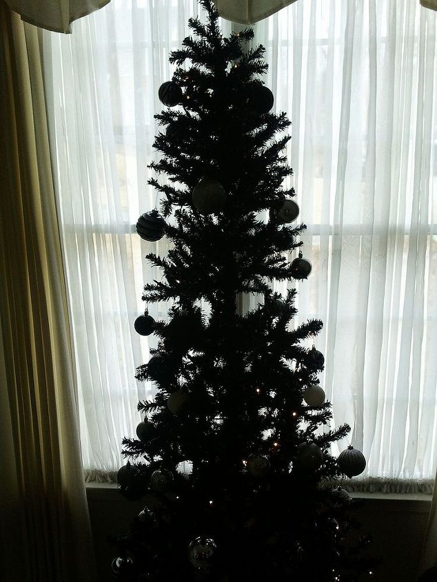 q a white christmas tree that was green, christmas decorations, crafts, seasonal holiday decor