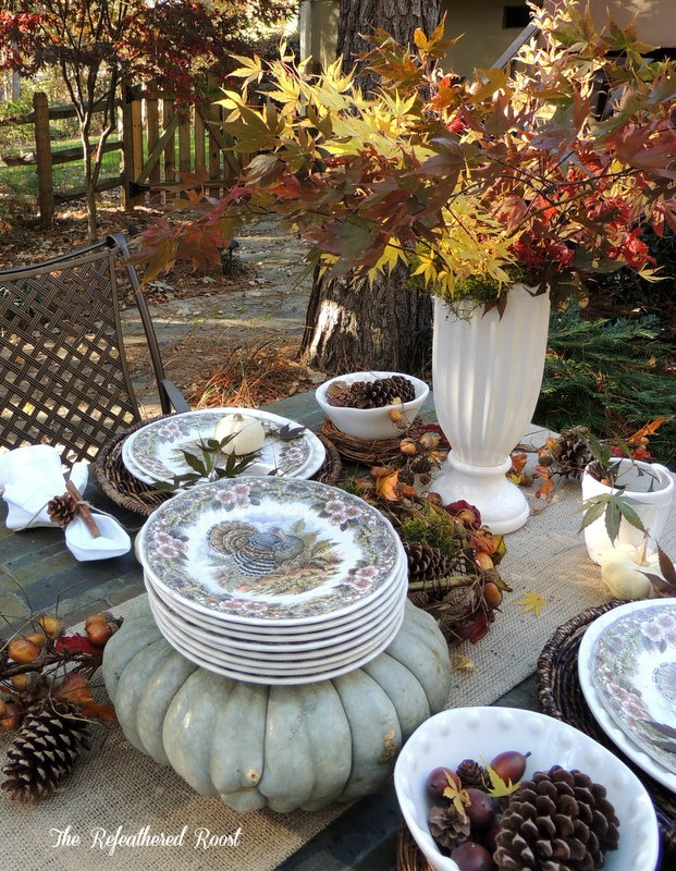 dining outdoors for thanksgiving, outdoor living, seasonal holiday decor, thanksgiving decorations