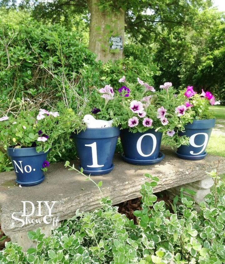 House number flower pots updated.