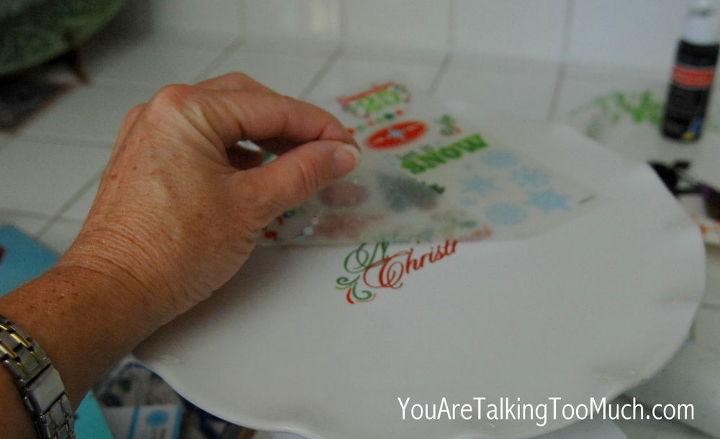 A few simple steps. http://youaretalkingtoomuch.com/2012/11/christmas-cake-plates-decorating/#