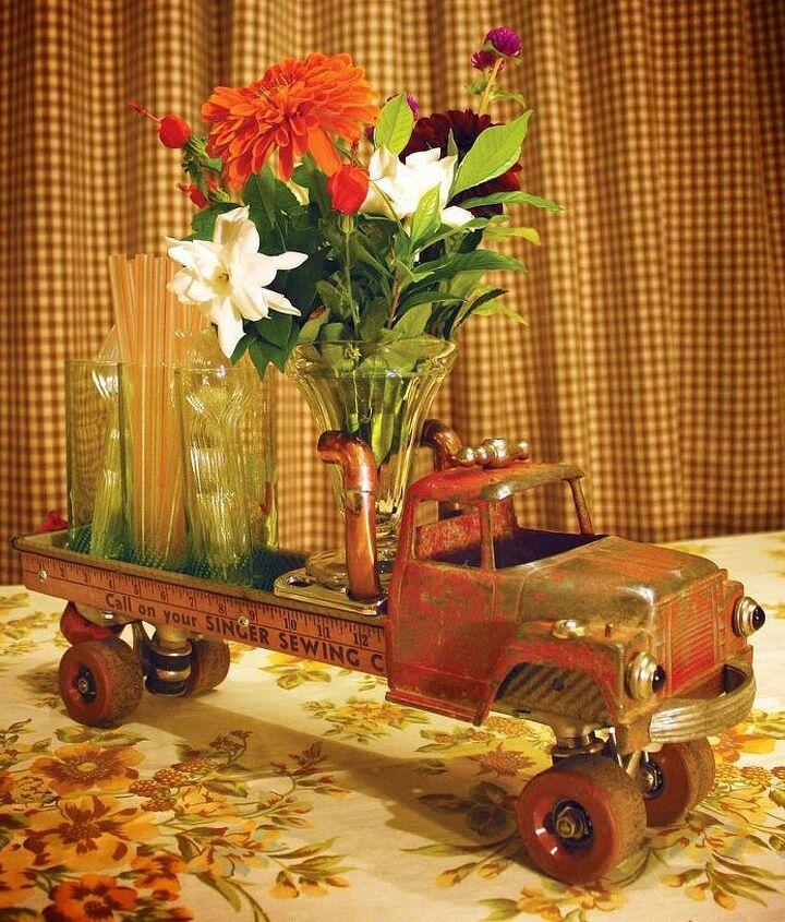 repurposed roller skate truck 6 vintage diecast ertl bread pan truck, crafts