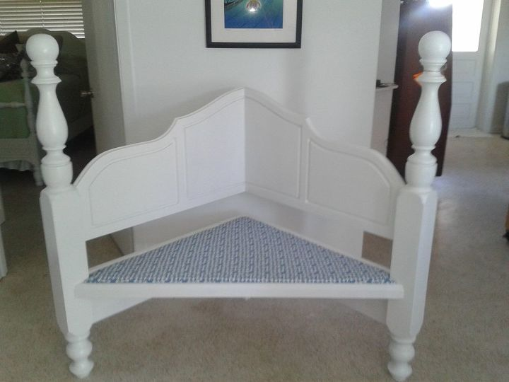 Corner bench made from a head board.