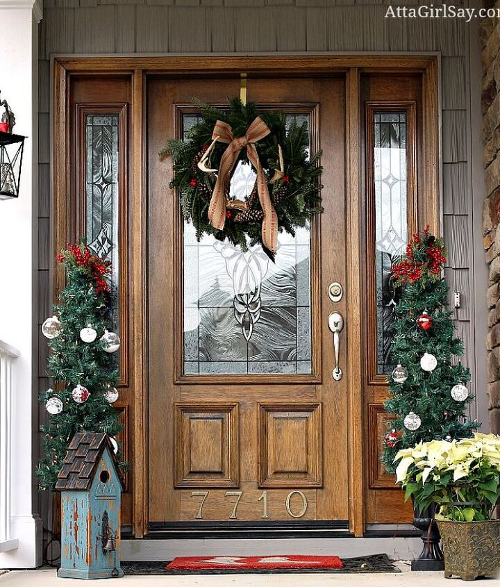 christmas comes to the front porch, porches, seasonal holiday decor, wreaths