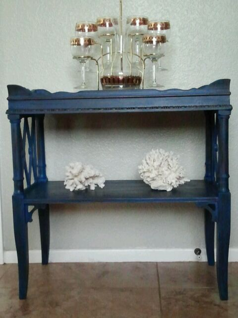 sweet little side table, home decor, painted furniture