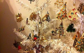 What to Do With All Those Christmas Pins-decorate a Tree, of Course!