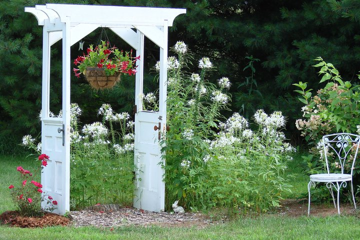 Friend, Jeanne Sammons door arbor.  What I HAD planned to do, but with windows...