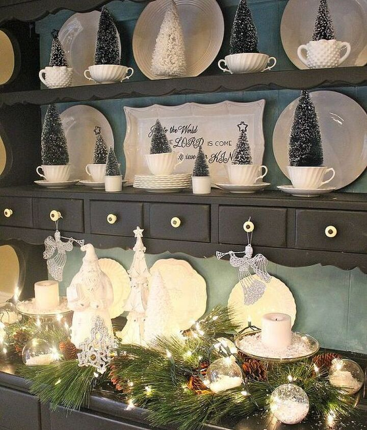 my breakfast room hutch and a lesson on why i blog, christmas decorations, seasonal holiday decor
