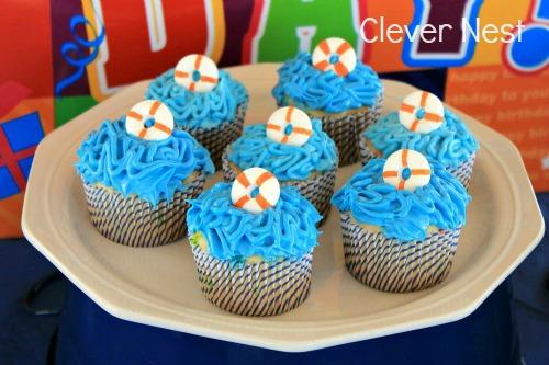 Life preserver cupcakes