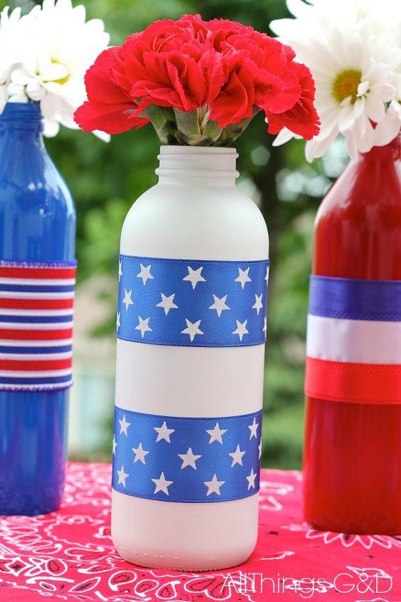 patriotic painted glass bottles, crafts, patriotic decor ideas, seasonal holiday decor