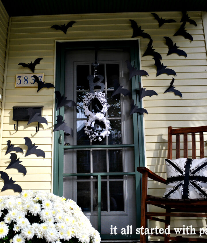 Bats flying cross the door Halloween decoration