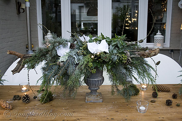 Christmas Outdoor Decor Living Seasonal Holiday This Centerpiece Was Built With