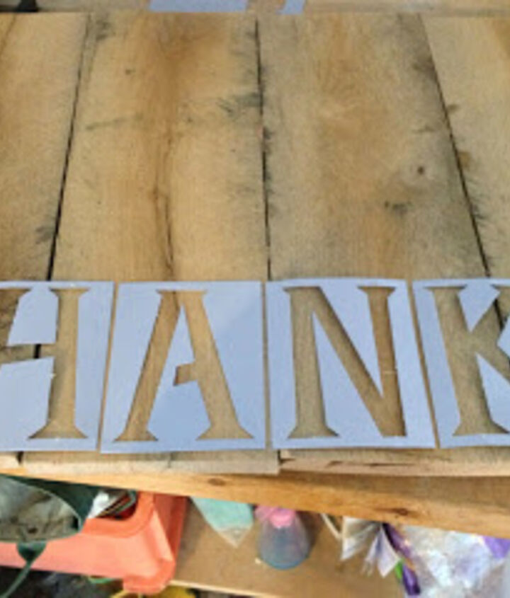 pallet makeover, thanksgiving decorations