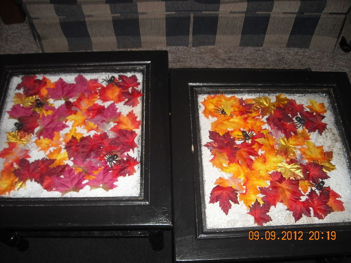 Change of season tables. I remove the glass and change the seasons.