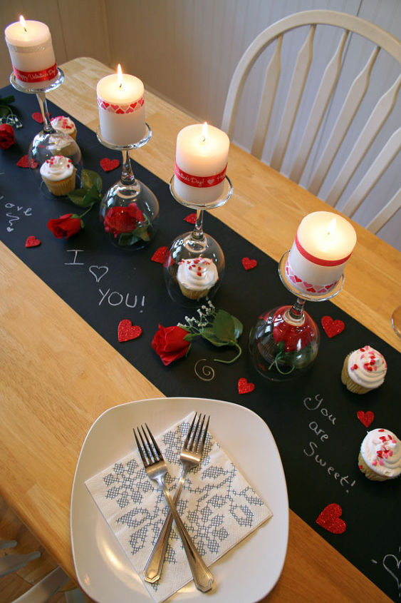 Diy Valentine S Day Table Painted Furniture Seasonal Holiday Decor Valentines Ideas