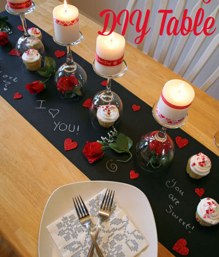 Romantic date night in table for Valentine's Day.
