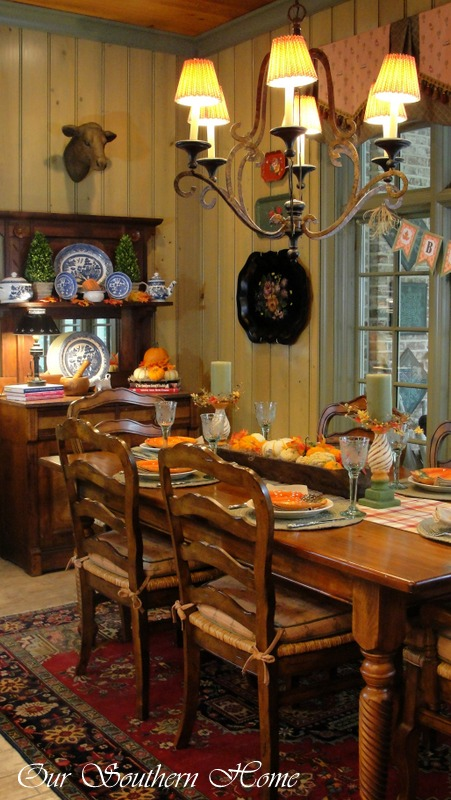 southern home fall tour, seasonal holiday d cor, wreaths, Fall breakfast room with traditional fall color