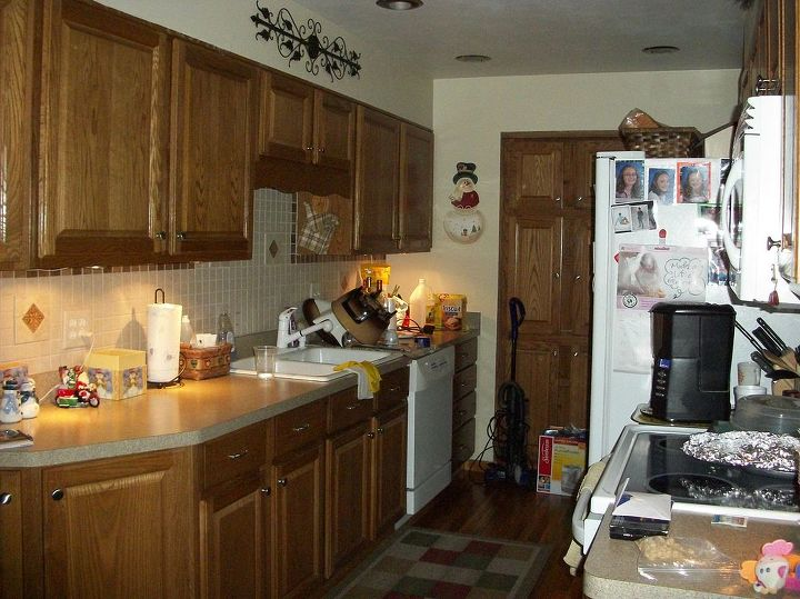 q paint color for small galley kitchen oak cabinets flooring home decor kitchen backsplash - Small Galley Kitchen Design Painting