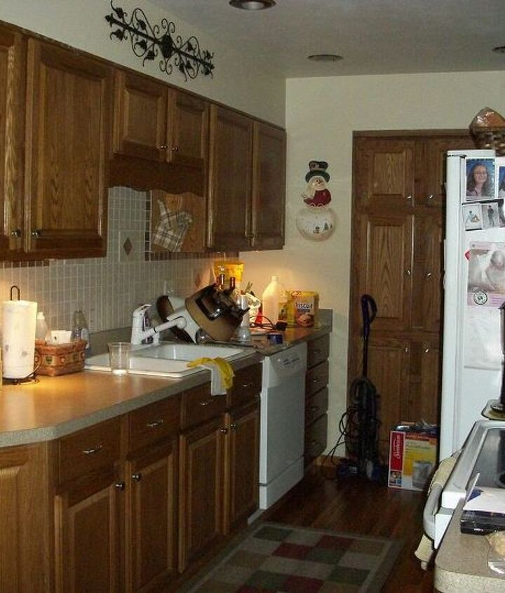 Small galley kitchen needs paint color suggestions as well as small dining room attached.