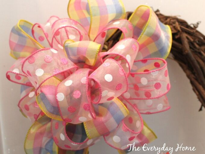 how to make a double ribbon bow like a pro, crafts, seasonal holiday decor, wreaths, This is the final bow after the second ribbon has been attached So what is my secret