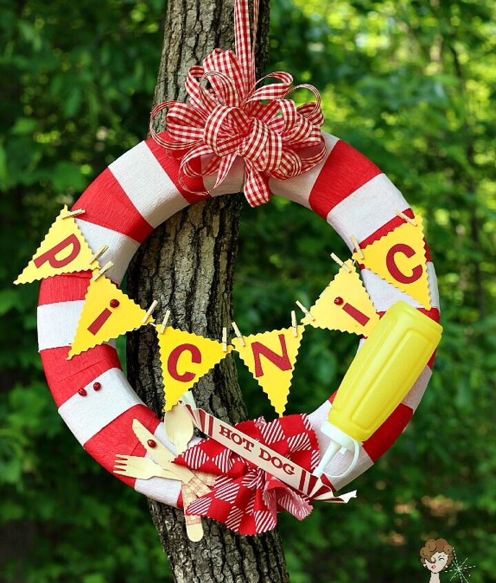 Picnic Wreath made from party supplies