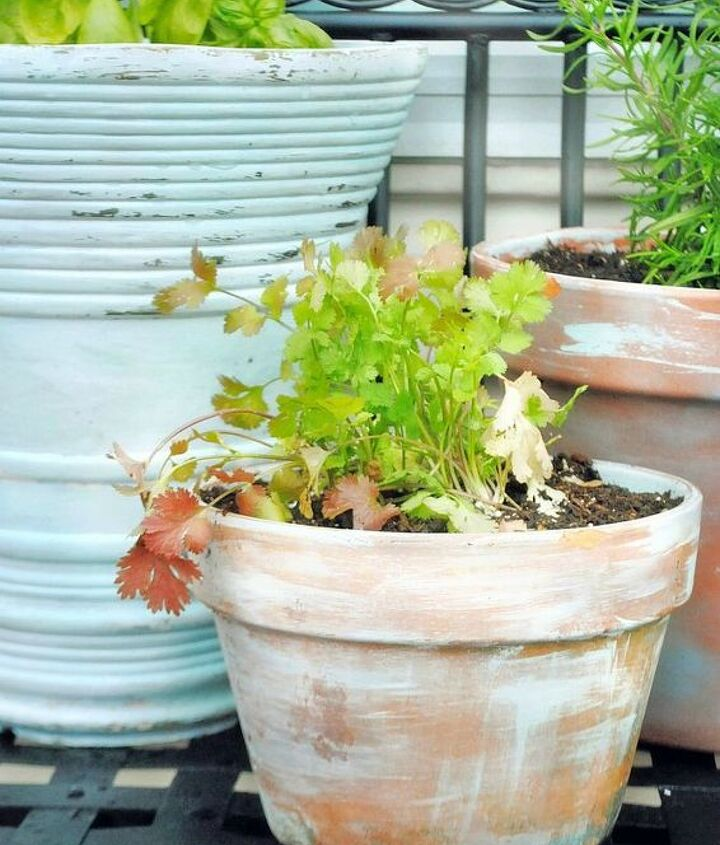 Take new pots to old with just a few simple supplies and an hour of your time.