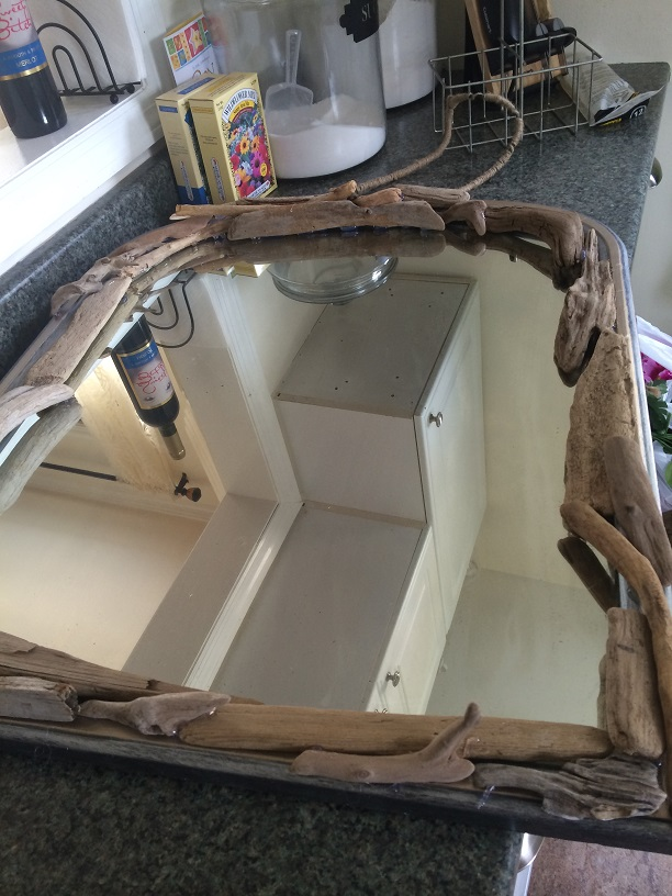 mirror re do, crafts, repurposing upcycling