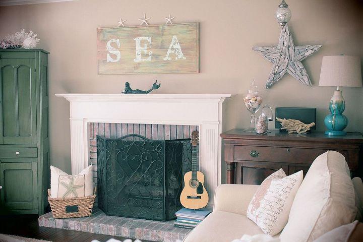 beach theme family room ideas, home decor, living room ideas, Simple D cor to create a cozy and comfortable Beach themed room