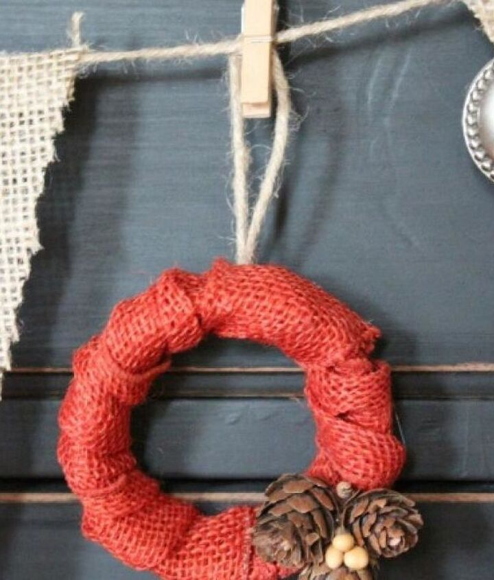 Ball Jar Lid turned into a fun Mini Fall Wreath.