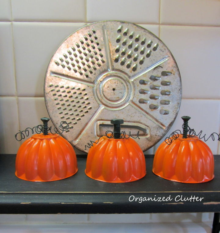a trio of jello mold pumpkins, crafts, repurposing upcycling, seasonal holiday decor