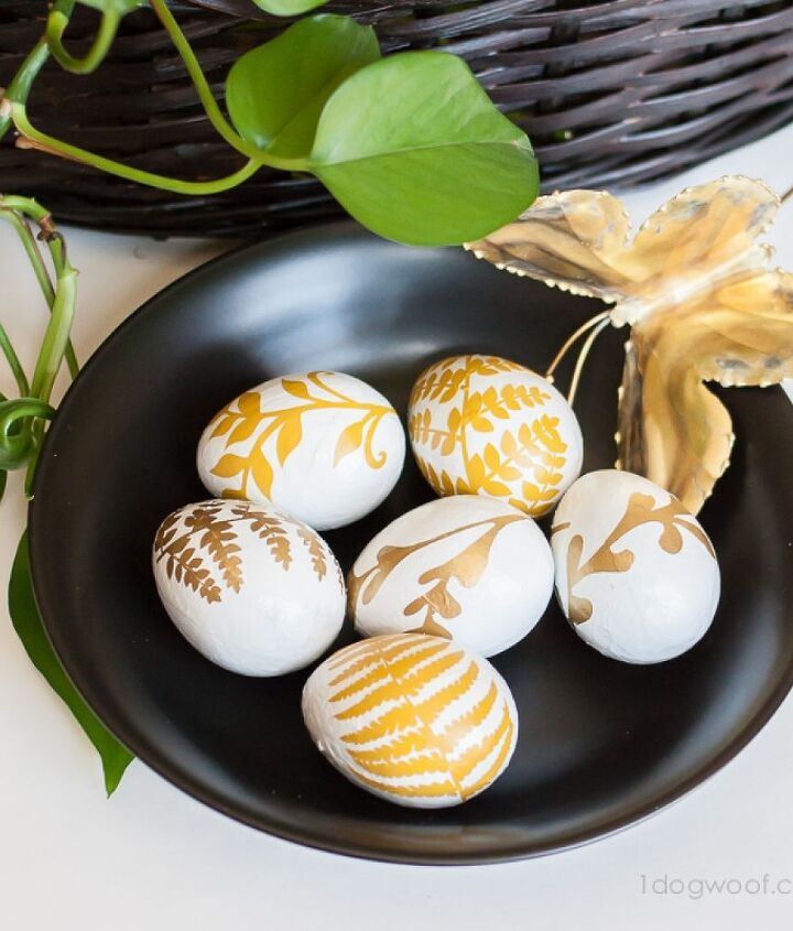 gold fern easter eggs, crafts, easter decorations, painting, seasonal holiday decor